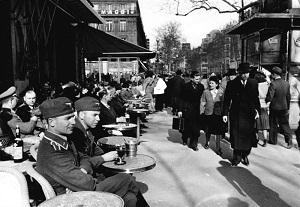 Paris, 1941