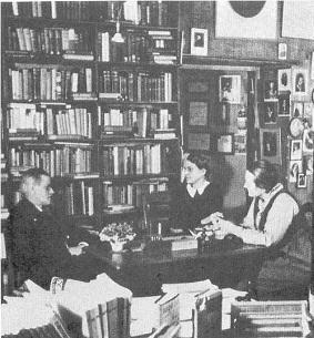 Silvya Beach, Adrienne Monnier i James Joyce a S&C